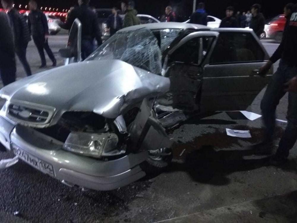 В Волгограде под «танцующим» мостом столкнулись «десятка» и Toyota: есть пострадавшие
