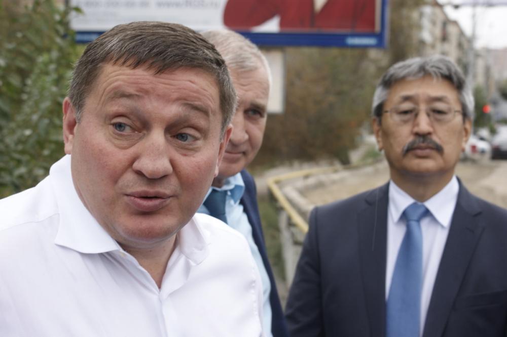 25 млн бюджетных рублей заплатят губернатор и его команда волгоградским СМИ за пиар