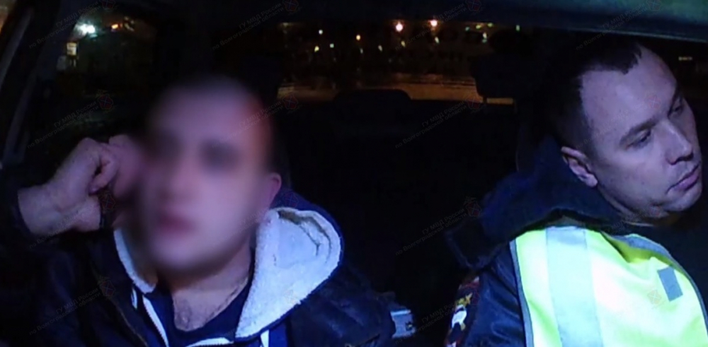 Задержание дерзкого водителя Lada Granta в Волжском сняли на видео