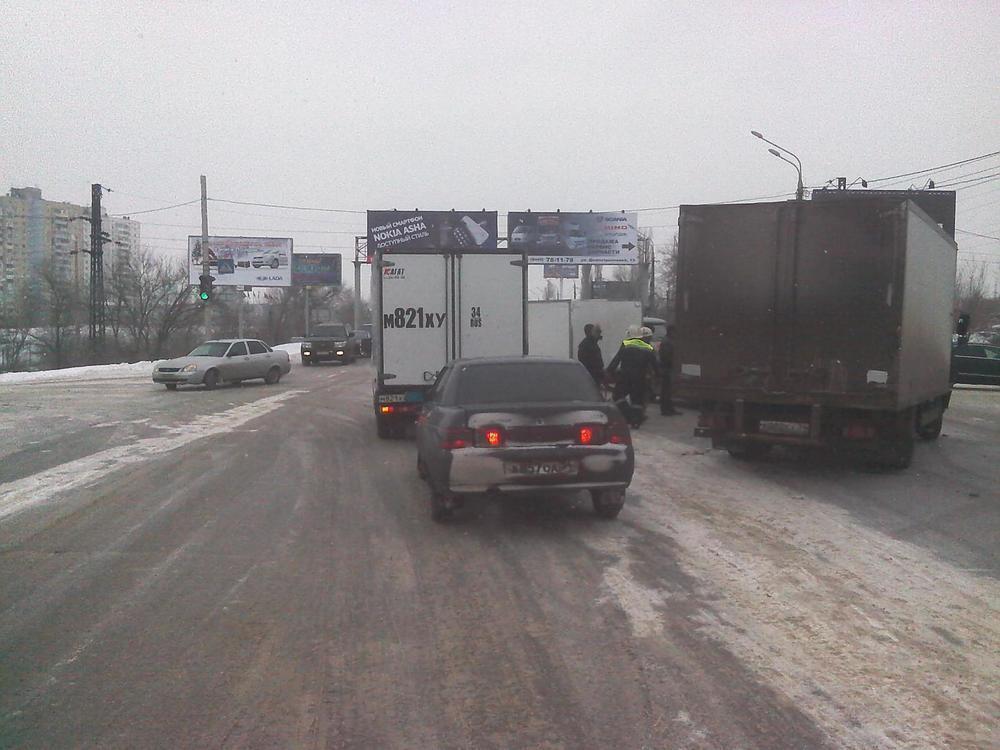 В Волгограде водитель компании «Автодом» протаранил «Газель»