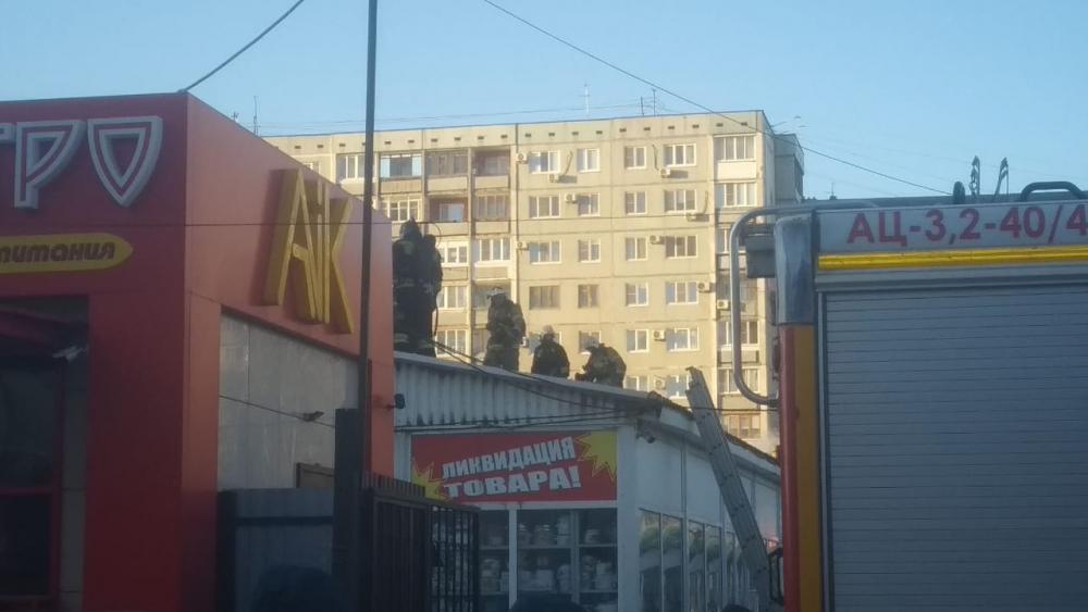 «Снести к чертям»: продавцы сгоревшего рынка «Олимпия» подсчитывают убытки