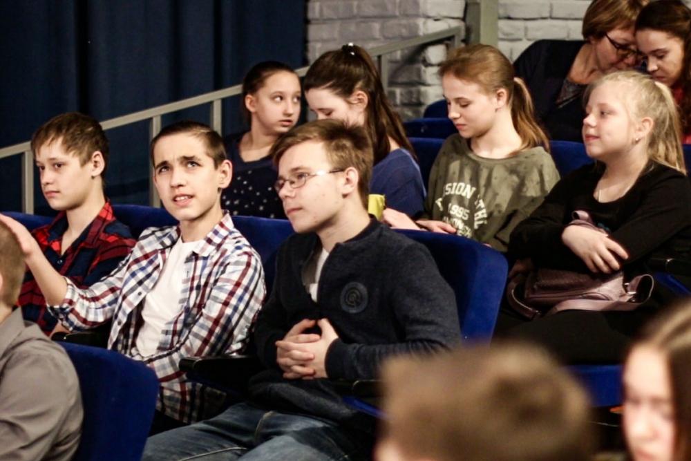«Ростелеком» и Волгоградский молодежный театр запустили проект обучения юных актеров