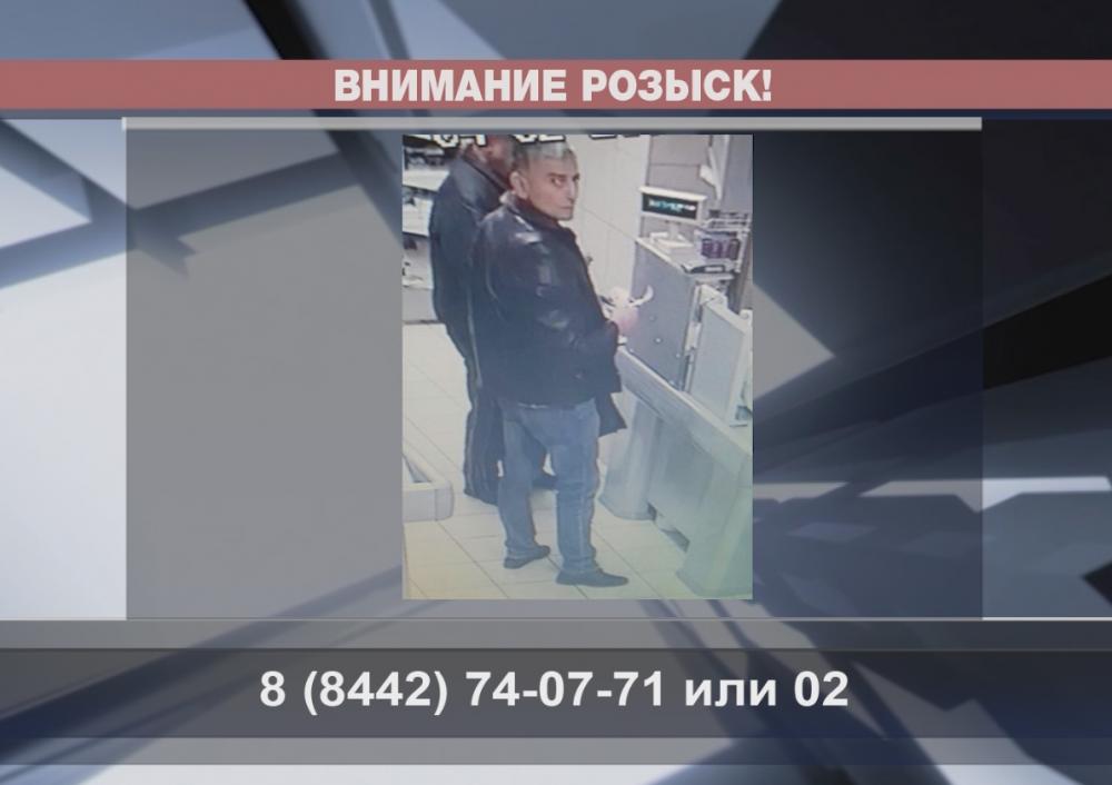 В Волгограде разыскивают дерзкого магазинного вора