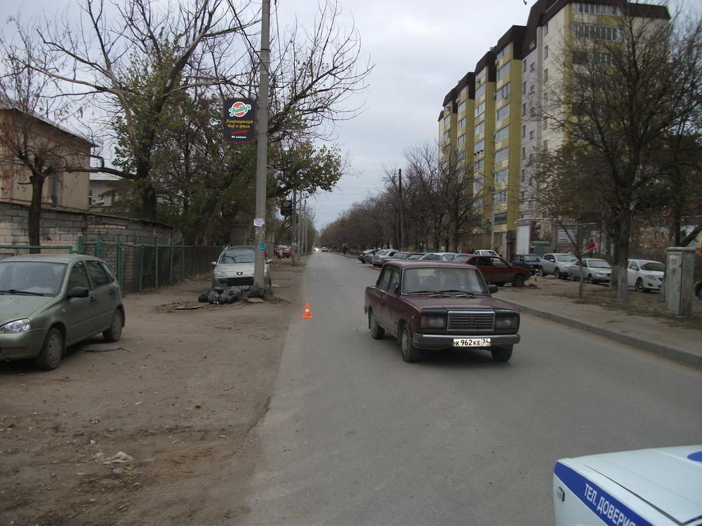 В Волгограде на Красном Октябре «семерка» сбила школьницу, не знающую правила дорожного движения