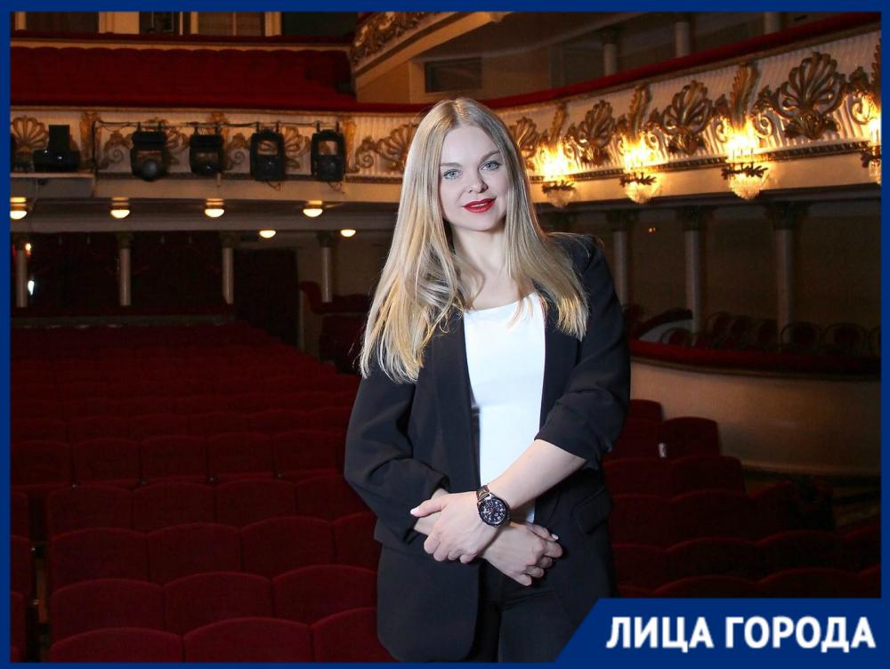 «Не буду позориться и, как в Москве, брать с людей за маску 50 рублей»: директор НЭТа Ангелина Шершень о возрождении театра после локдауна