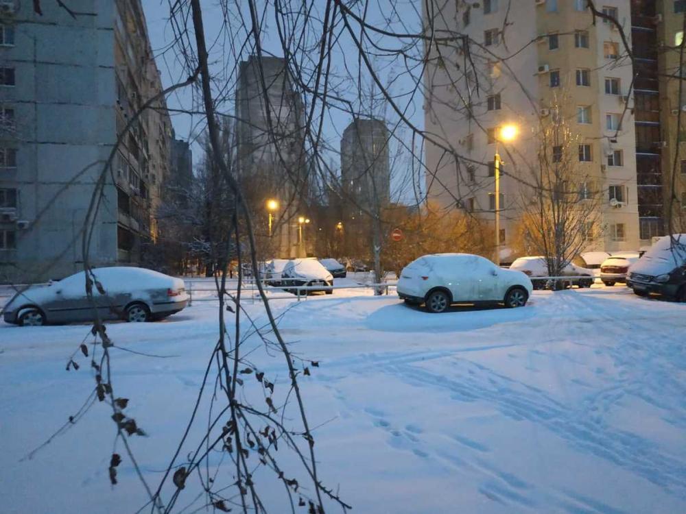 О снежных заносах на дорогах предупреждает ГИБДД волгоградцев