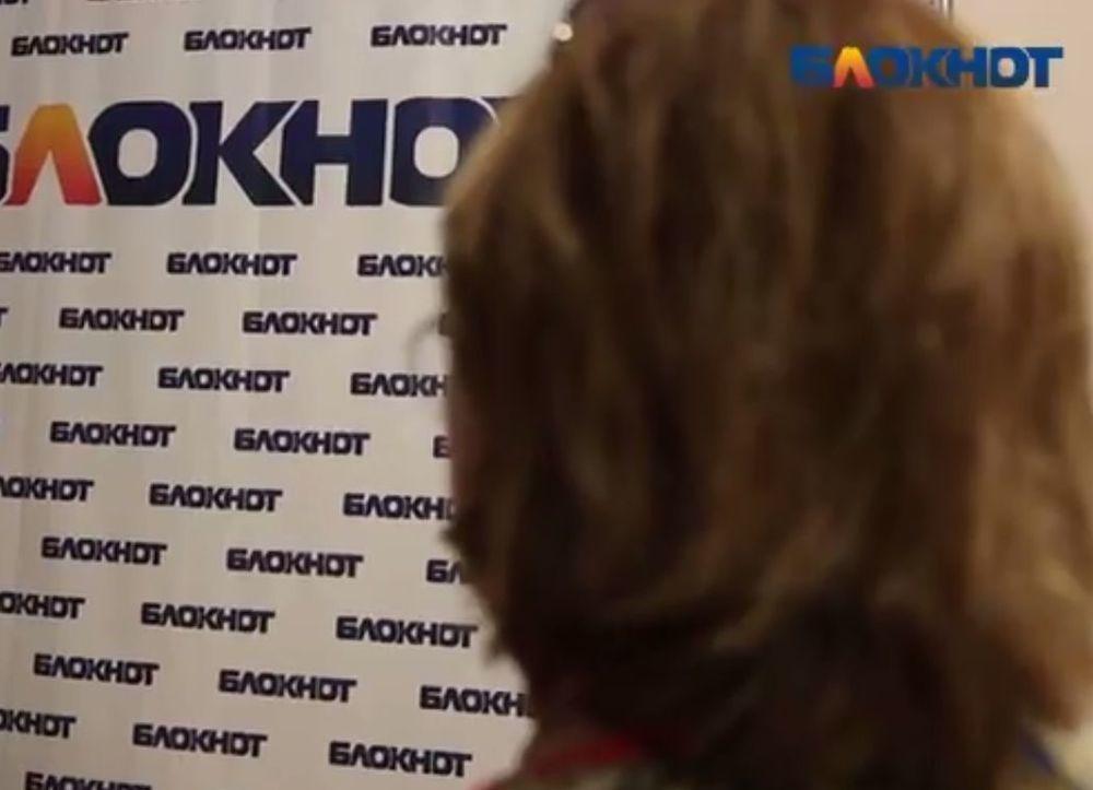 «Город красоты» подсунул волгоградке вместо трудового договора на работу кредит на 114 тысяч рублей