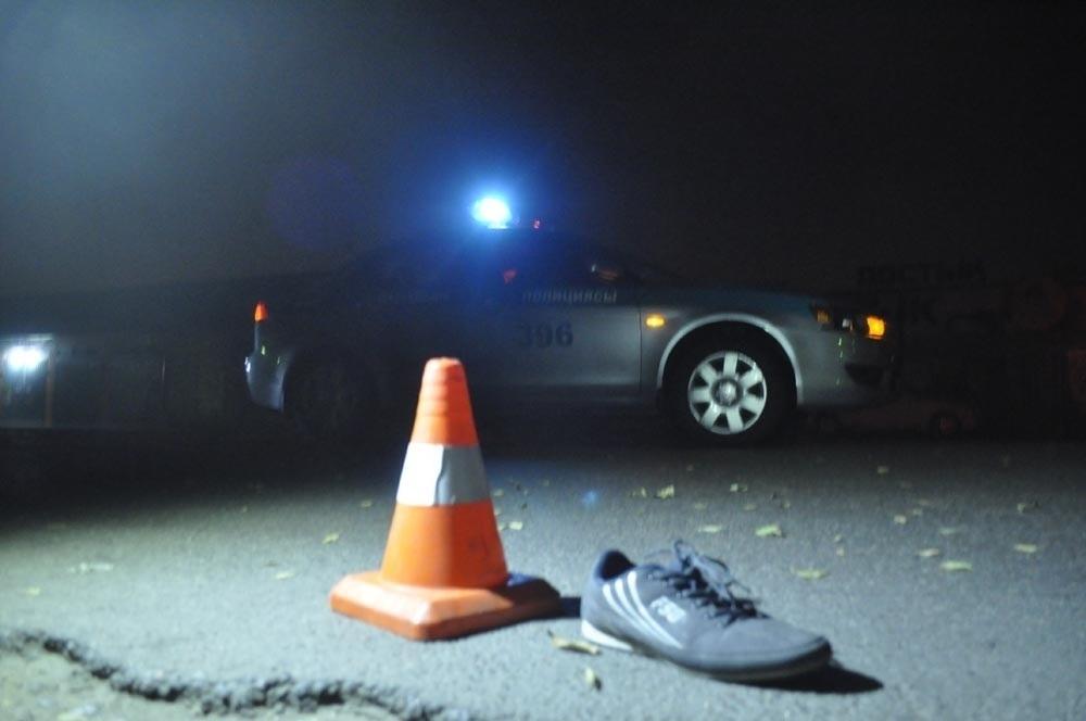 Женщину-пешехода насмерть сбили сразу два автомобиля на трассе в Волгоградской области