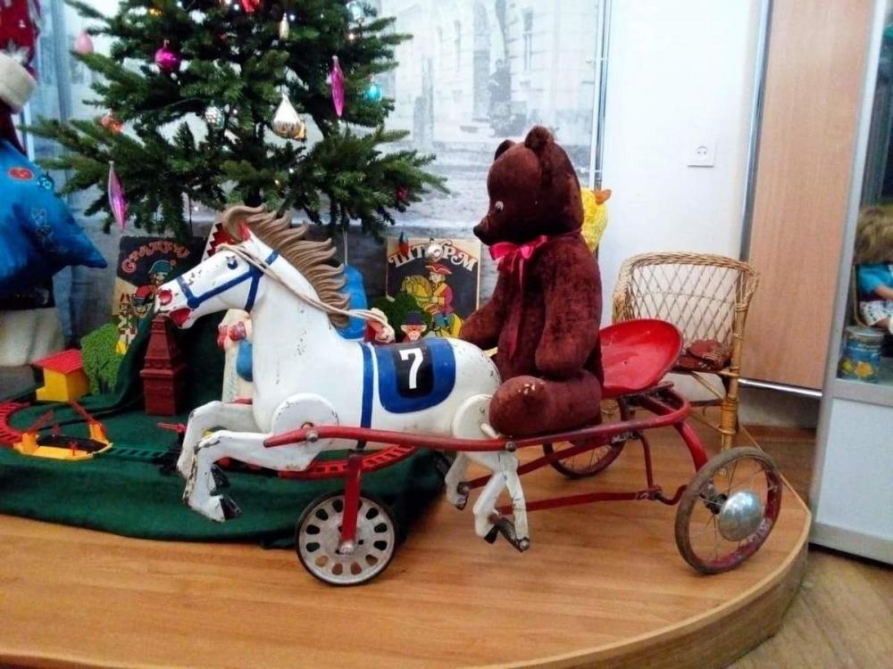 Оловянные солдатики и шагающая Маша: волгоградцам предложили вспомнить самые популярные игрушки советского детства