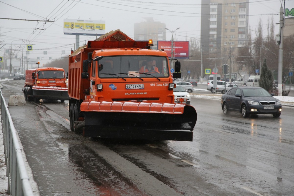 С затопленными волгоградскими дорогами все нормально, считают чиновники