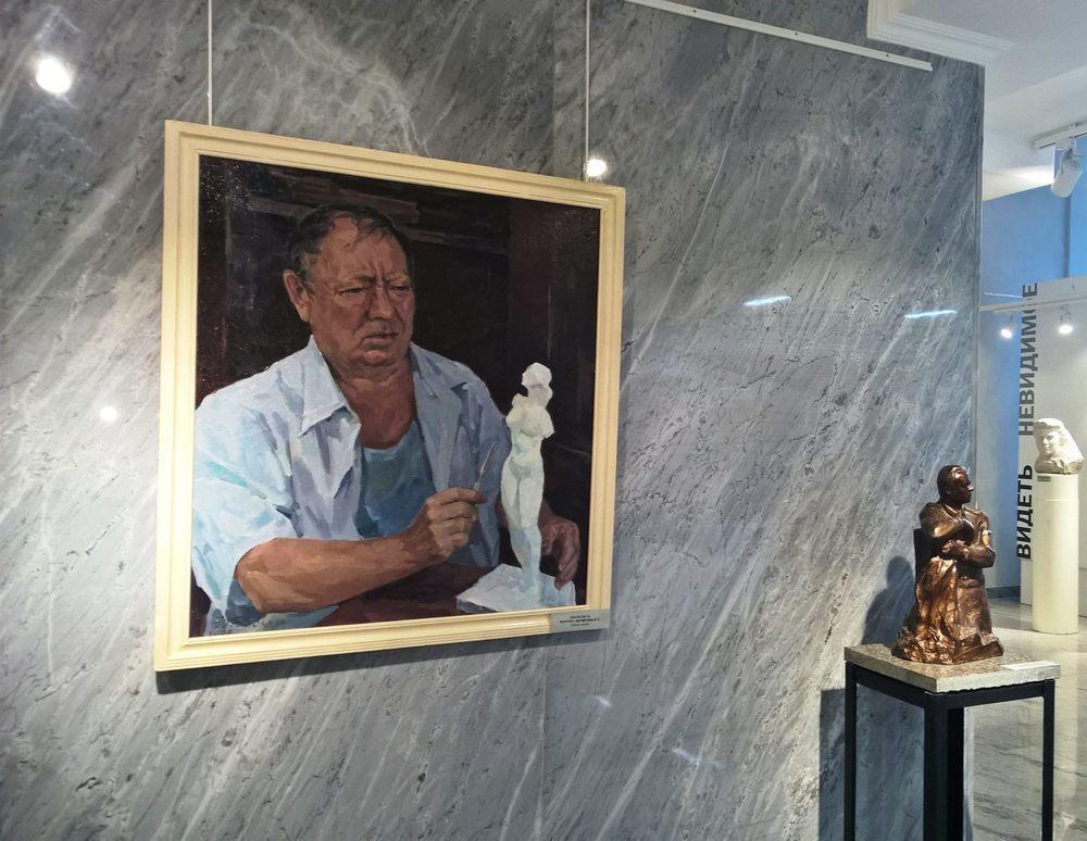 Выставку художника Фетисова посетил самый завидный холостяк Волгограда