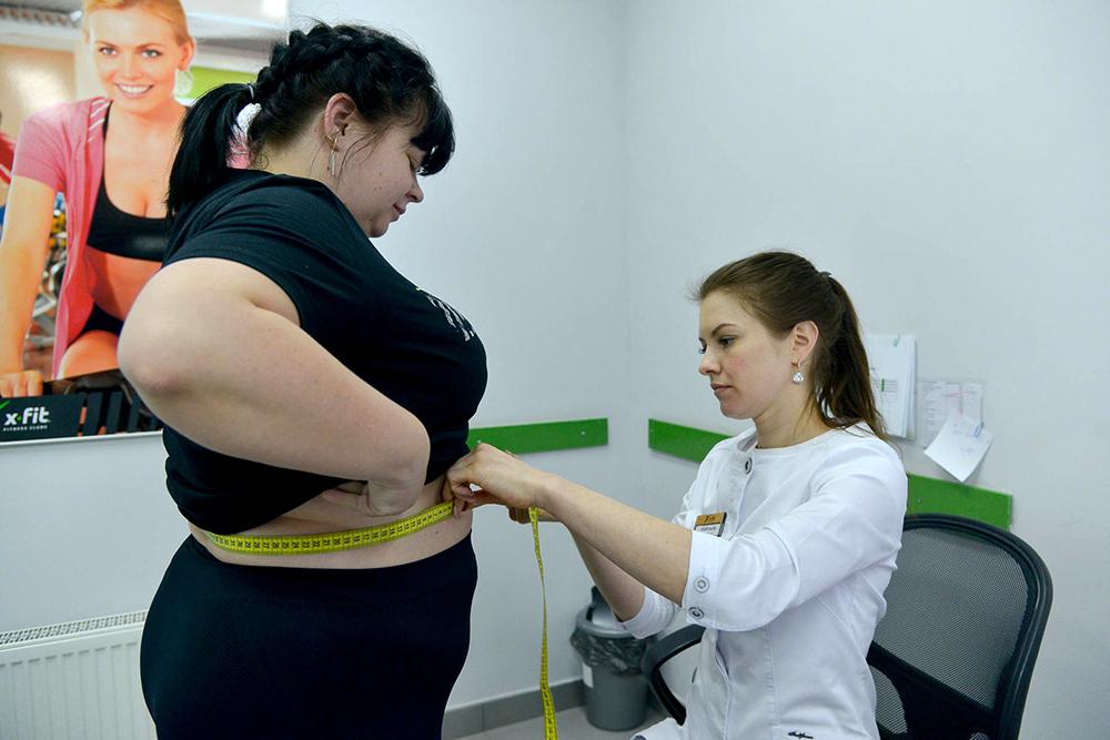 Кого дома бьют, и кто готов раздеться из-за лишних граммов, - первые номинанты на выбывание в проекте похудения
