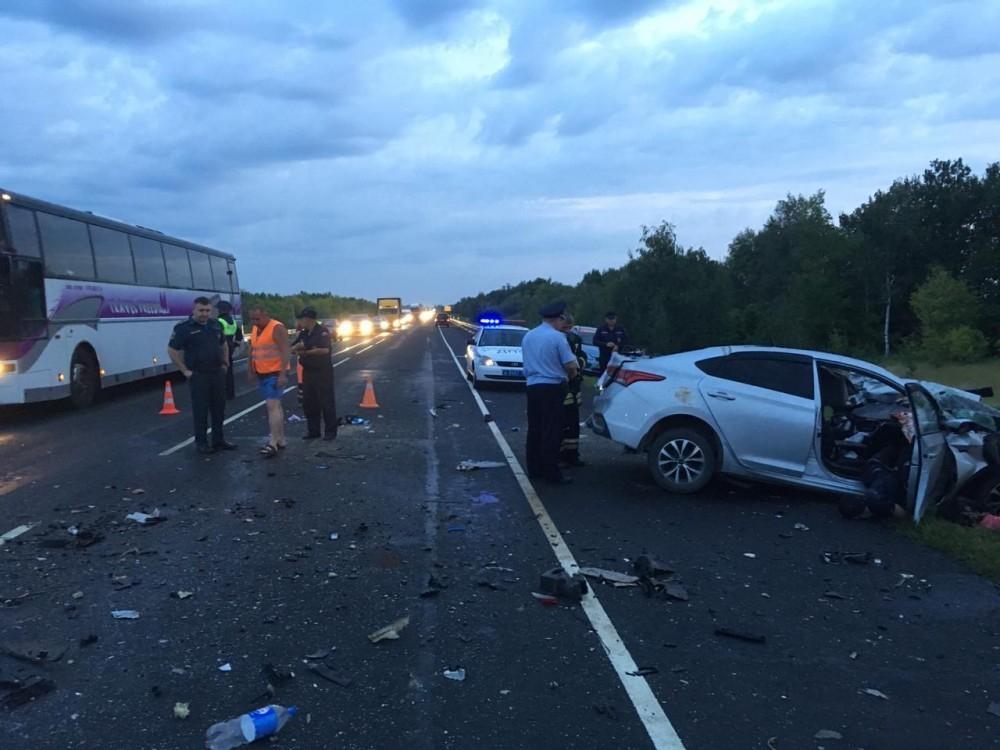 Врачи не смогли спасти двоих пострадавших из Hyundai в ДТП с рейсовым автобусом в Волгоградской области