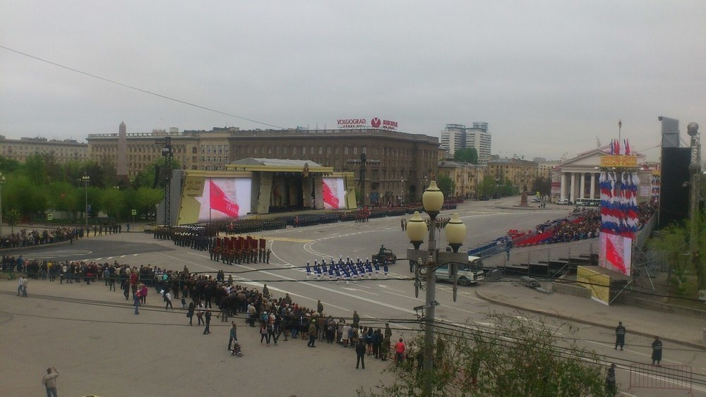 В центре Волгограда проходит генеральная репетиция Парада Победы
