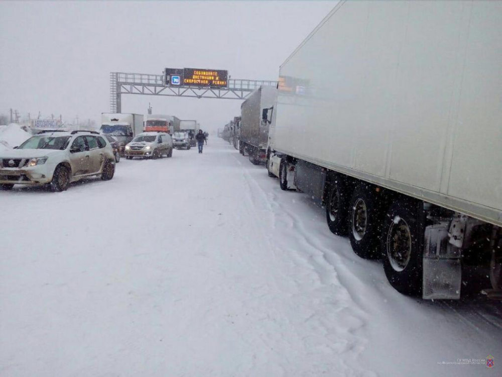 Ещё один район Волгоградской области оказался отрезанным из-за снегопада