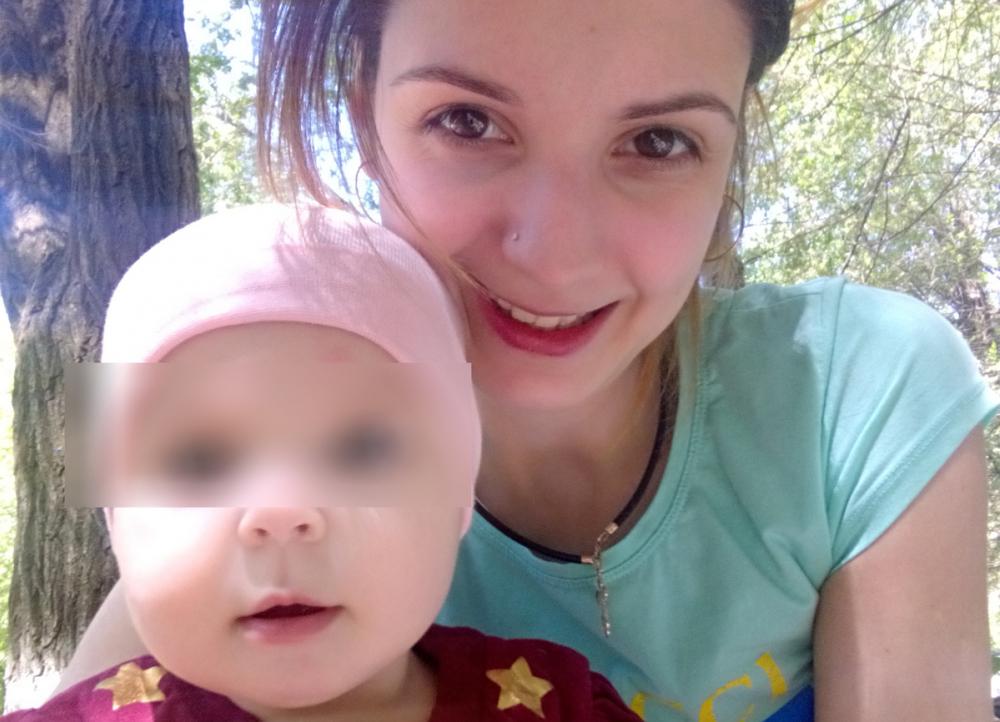 Годовалую дочку погибшей в такси волгоградки забрали у родственников и упекли в детдом