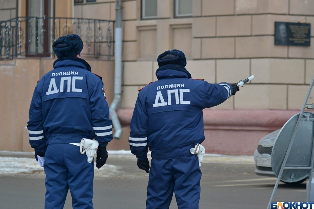 В Волгограде у автоледи арестовали «Toyota Land Cruiser Prado» из-за штрафов ГИБДД