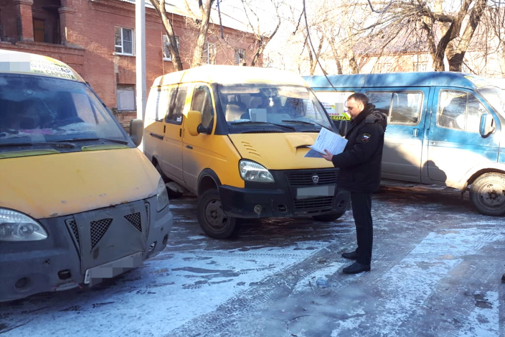 В Волгограде приставы сняли с рейса девять маршруток за миллионные долги