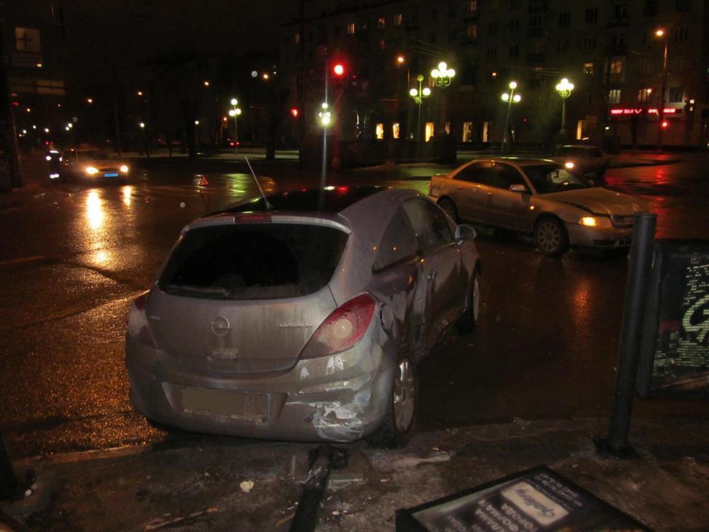 Безработный на «Ауди» протаранил «Опель» в центре Волгограда