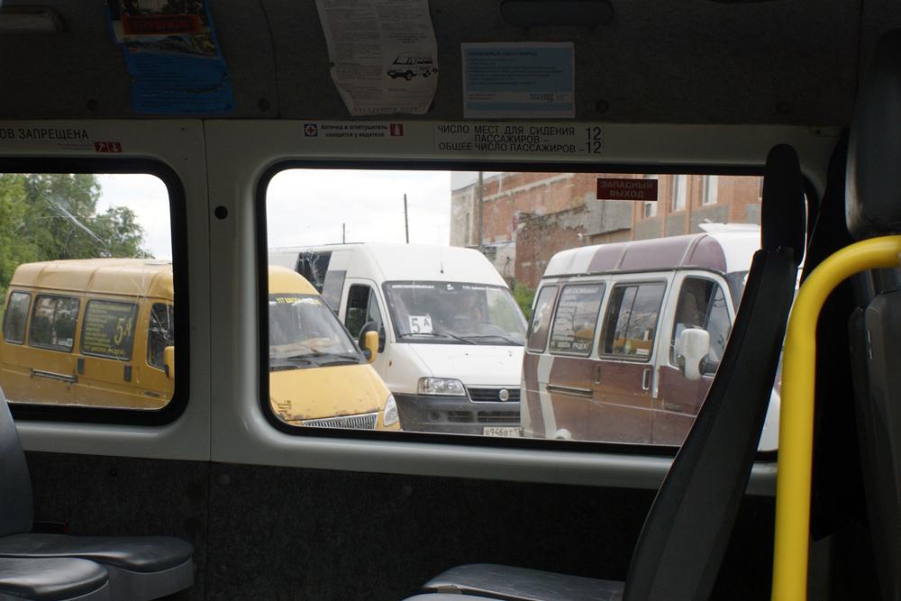 Волгоградцы жалуются на нецензурную брань и угрозы водителей такси и маршруток