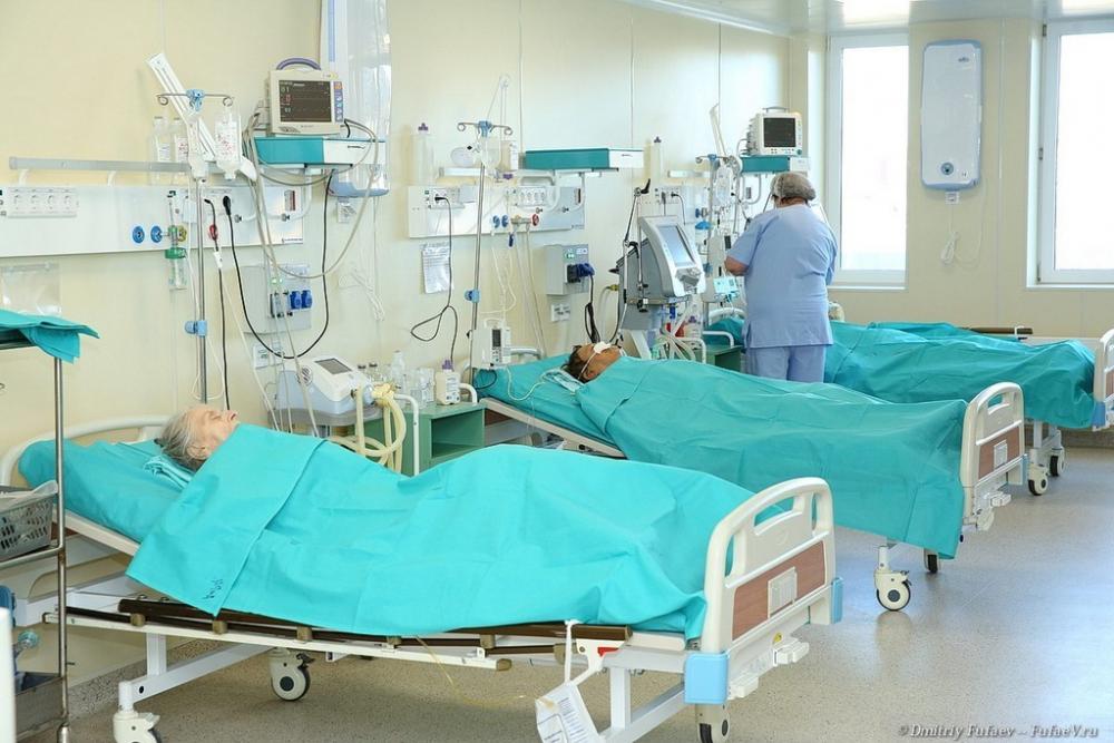 Пенсионерка перерезала горло соседкам по палате в больнице Волгограда