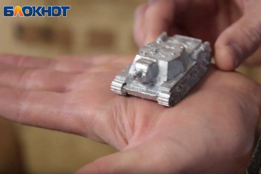 Волгоградец рассказал, как изготавливает танки у себя дома