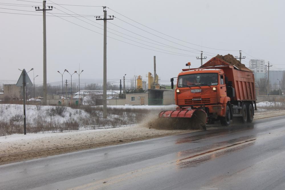 Мощный снегопад надвигается на Волгоград: службы перешли в режим особой готовности