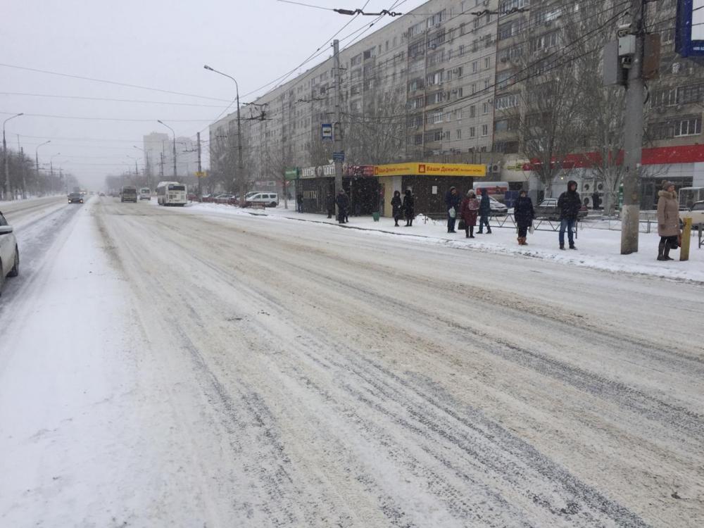 Волгоградцы жалуются на неочищенные в городе дороги