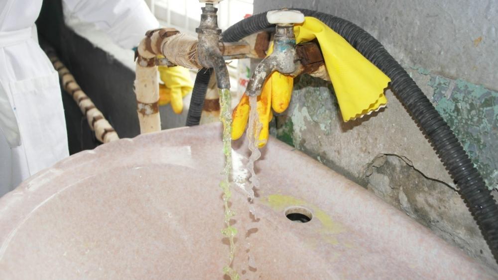 ВВолгограде зеленая вода вбатареях помогла выявить 44 вора «кипятка»