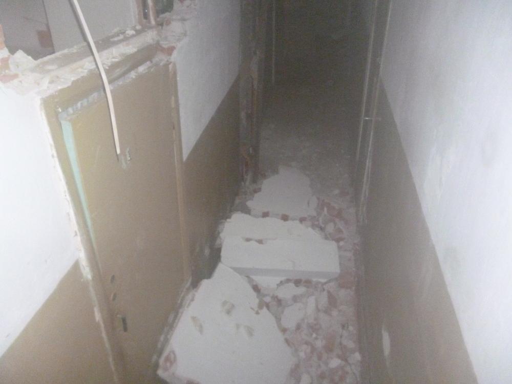 На юге Волгограда рухнул потолок в семейном общежитии