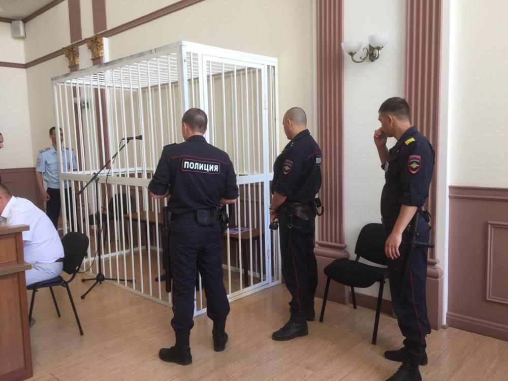 Расстрелявший бизнесмена в кафе волгоградец задержан спустя 16 лет