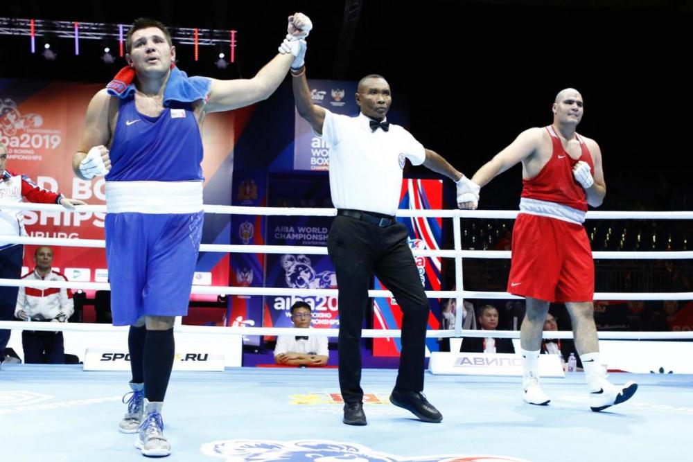 Волгоградский боксер Максим Бабанин вышел в четвертьфинал ЧМ
