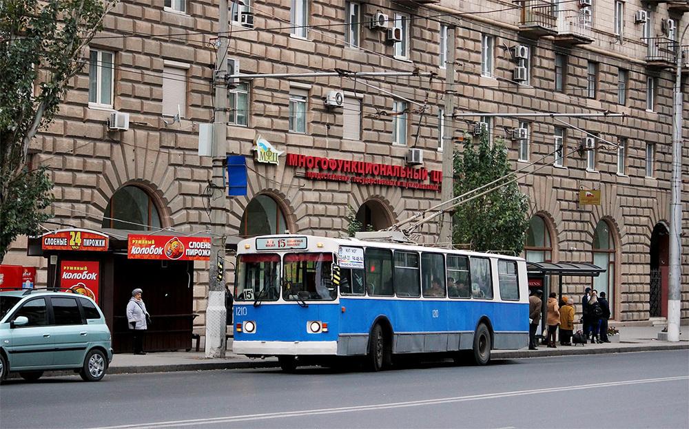 Остановки «Центральный рынок» и «Улица Комсомольская» в Волгограде передвинут