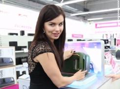 Екатерина Соловьева и Кристина Плехова в борьбе за приз продали телевизор и колонку