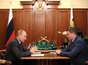 Андрей Бочаров сегодня отчитается перед Владимиром Путиным за обстановку в регионе