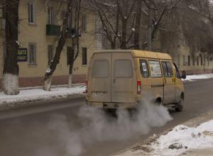 «Газель» задним ходом сбила женщину-пешехода в Волжском