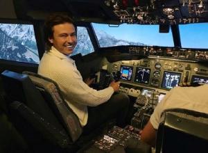 Волгоградец Прохор Шаляпин с экс-супругой Джигарханяна полетали на Boing 737