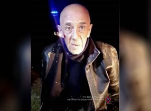Матерый разбойник на костылях устроил вооружённый налет на ювелирный магазин в Котово и сбежал в окно