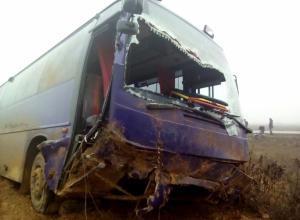 Рейсовый автобус вылетел в кювет на трассе Волгоград – Астрахань: трое в больнице