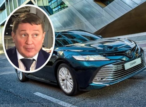 Стало известно, на каких автомобилях Андрей Бочаров передвигается по Москве