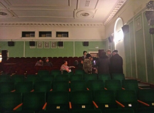 Запуганные чиновниками волгоградцы дали добро на возможный снос гостиницы «Октябрьская»