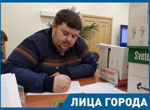 Волгоградский общественник Алексей Ульянов рассказал, на что он живет