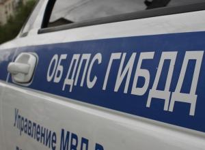 «Газель» и самосвал столкнулись на трассе Астрахань-Волгоград