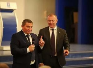 Губернатор Андрей Бочаров бросил все и уехал в Урюпинск