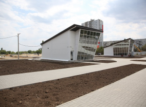 Парк с теннисным кортом и аттракционами откроется в этом году на севере Волгограда
