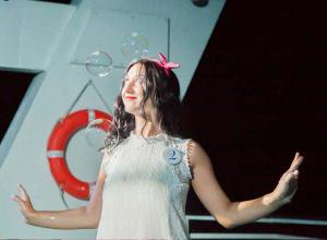 Анна Рыжакина в образе Барби пустила пузыри