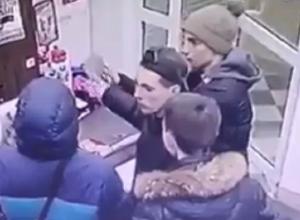 В Волгограде подростки нашли способ отпраздновать Новый год за чужой счет