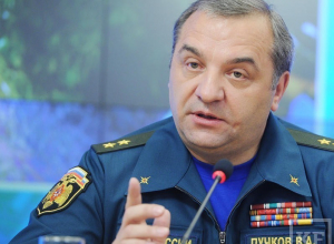 Министр МЧС Владимир Пучков прилетел в Волгоград