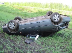 18-летняя девушка погибла за рулем Hyundai в Волгоградской области