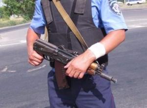 Полицейский получил ранение в голову при попытке задержать грабителей ювелирного салона в Камышине